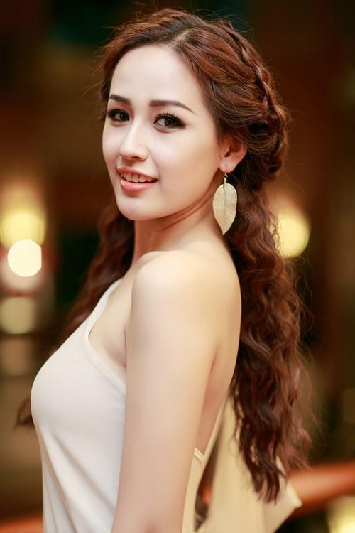 Ngắm mốt tóc xoăn bà thím đẹp khiến sao Việt mê mẩn 2017 phần 8