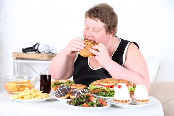 Ăn uống không đúng cách là nguyên nhân hàng đầu gây hiếm muộn ở nam giới