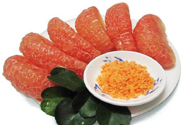 Bưởi là một trong những loại trái cây có chứa rất nhiều vitamin C vô cùng có lợi cho sức khỏe