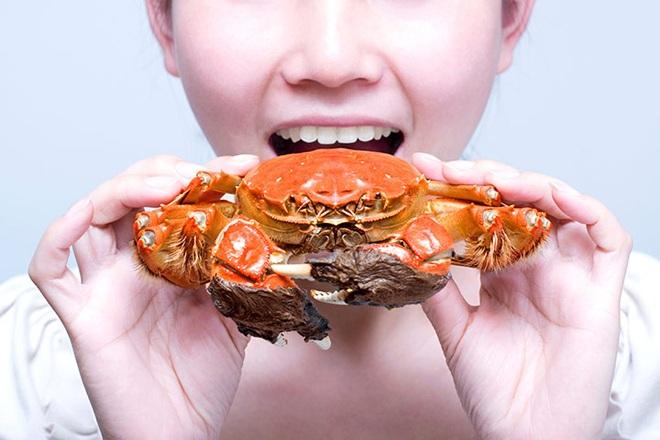 Bà bầu không nên ăn quá nhiều cua biển.