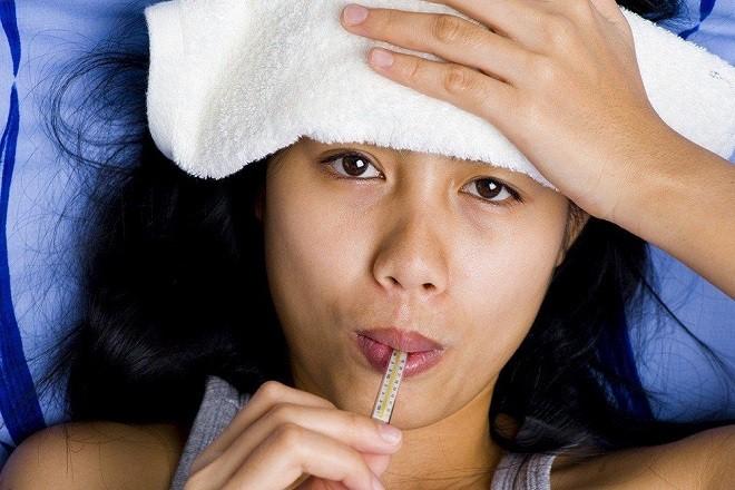Mẹ bầu khi bị sốt có nhiều nguy cơ gây hại cho thai nhi