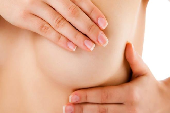 bầu ngực phụ nữ