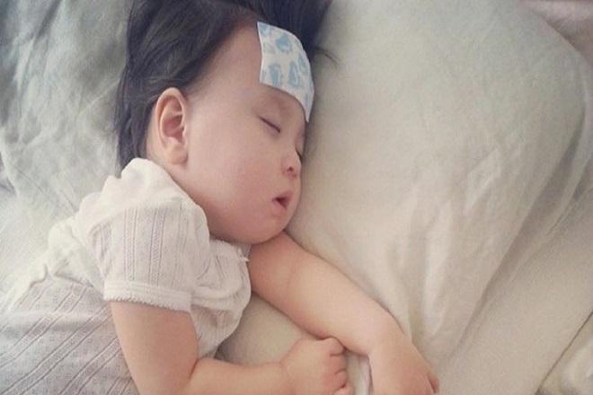 bệnh sởi trẻ sơ sinh