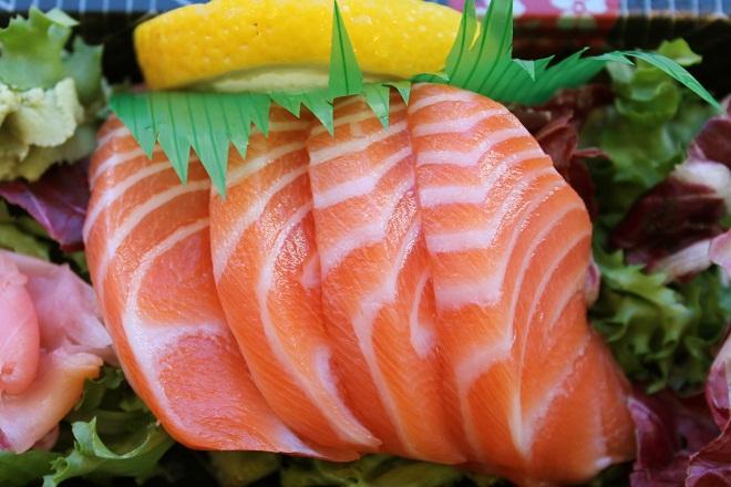 Cá hồi là một trong những loại thực phẩm giàu dinh dưỡng