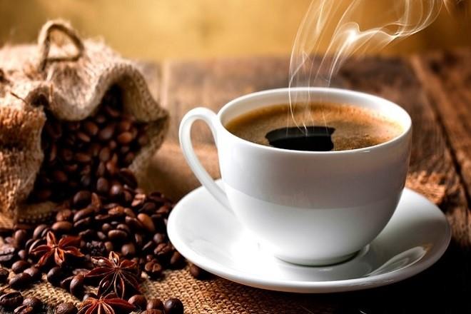mẹ sau sinh mổ không uống cafe