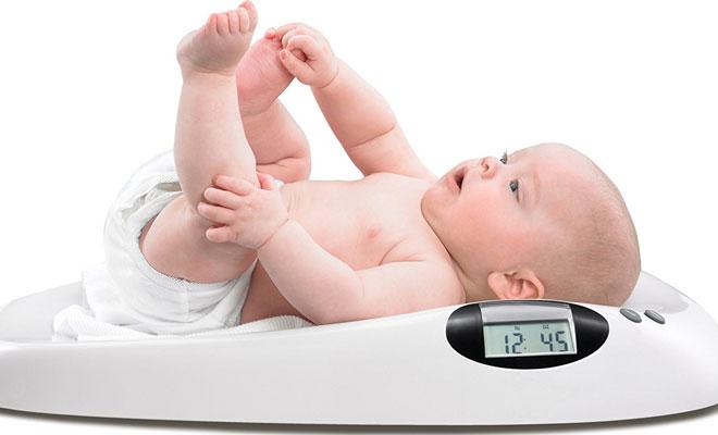 cân nặng trẻ sơ sinh