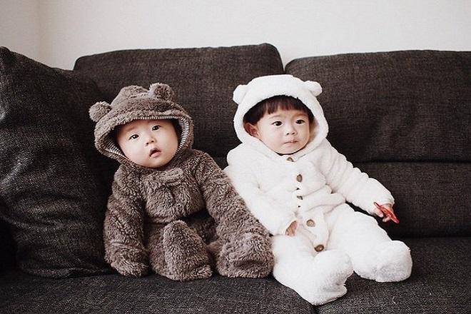 khoảng cách sinh hai em bé