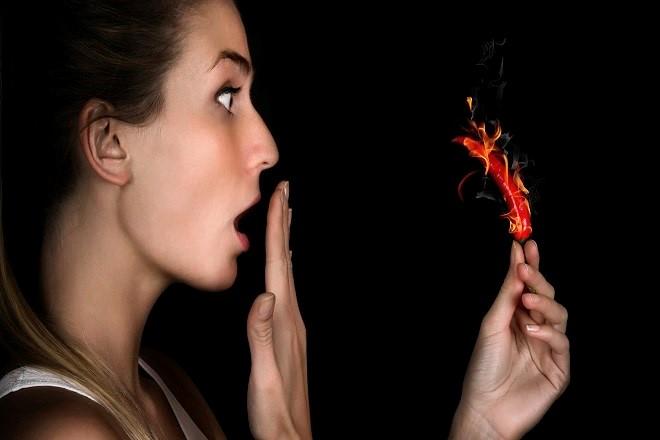 sau sinh mổ không nên ăn đồ cay nóng