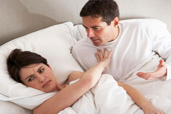 phụ nữ không thoải mái quan hệ sau sinh 1 tháng