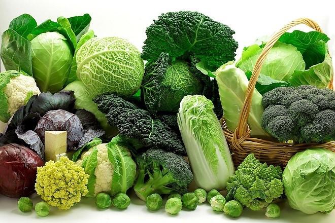 mẹ sau sinh mổ nên ăn rau gì