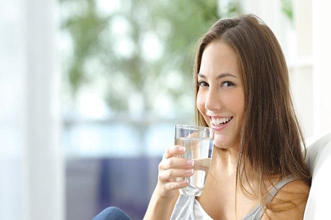 uống nhiều nước sau sinh mổ
