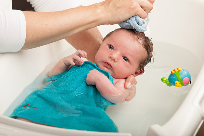 vệ sinh cho trẻ sơ sinh mùa đông