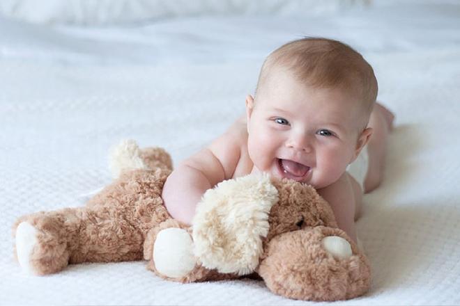 nên massage cho trẻ sơ sinh sau khi bé mới tắm xong
