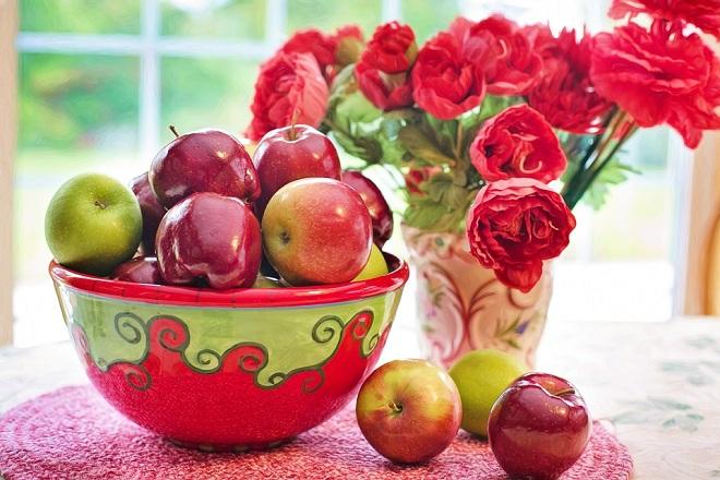 những quả táo đỏ