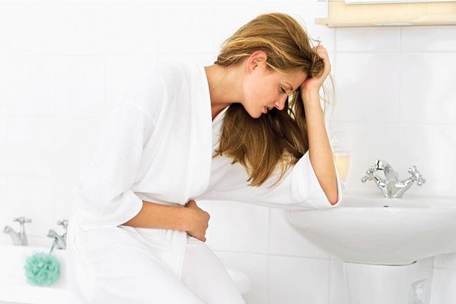 quan hệ sau sinh bị đau bụng
