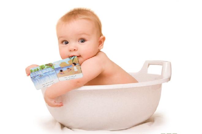 sau khi tắm massage giúp trẻ thoải mái hơn