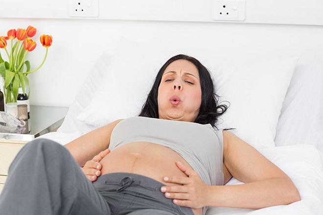 thai phụ sắp chuyển dạ