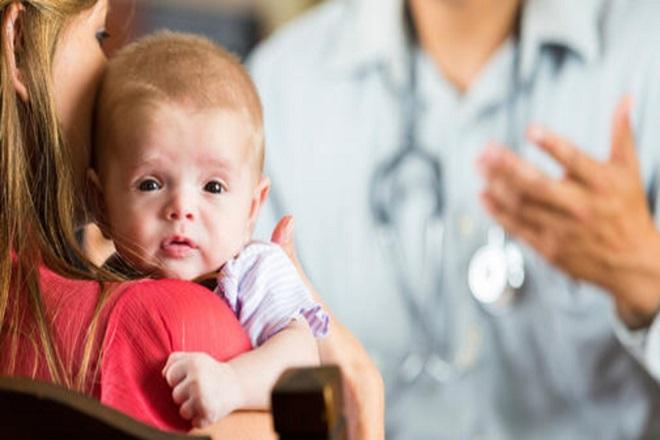 trẻ sơ sinh có các hành vi bất thường