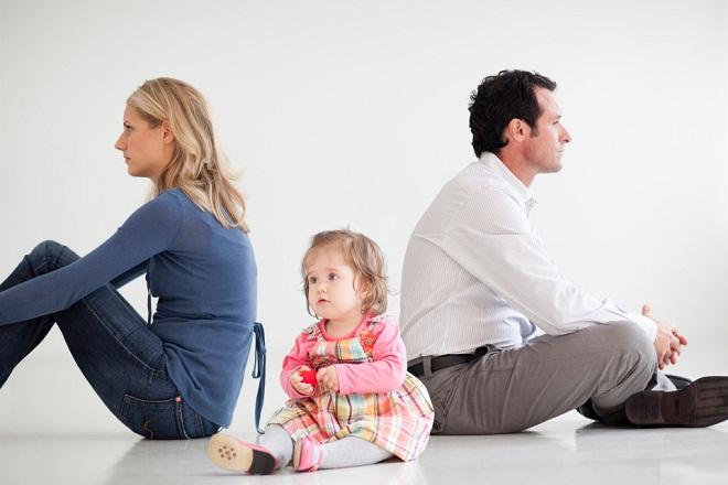 vợ chồng ly hôn bỏ rơi con