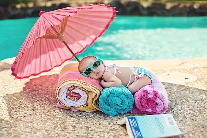 cách tắm nắng an toàn cho trẻ sơ sinh