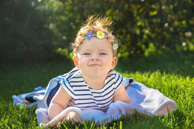 hãy tắm nắng cho bé từ những tia nắng đầu tiên