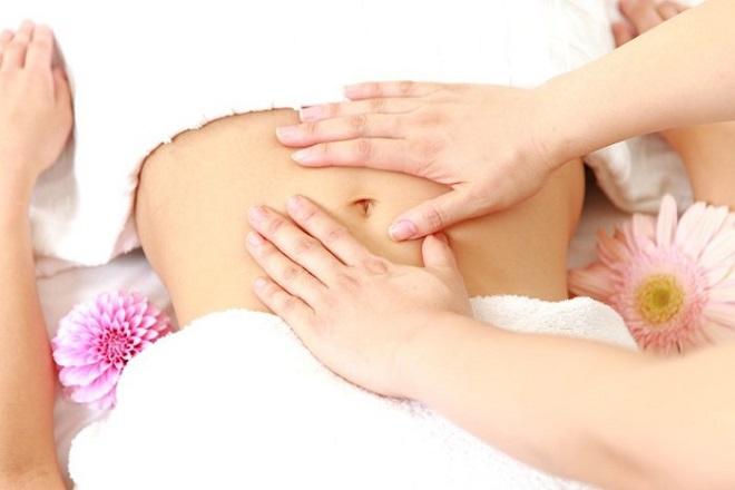 massage da bụng sau sinh