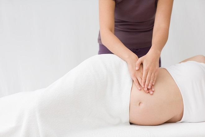 Massage đáy chậu khi mang thai