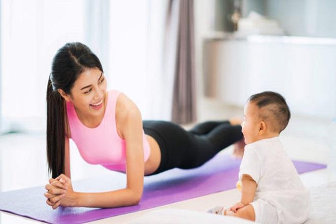 tập thể dục sau sinh lấy lại vóc dáng