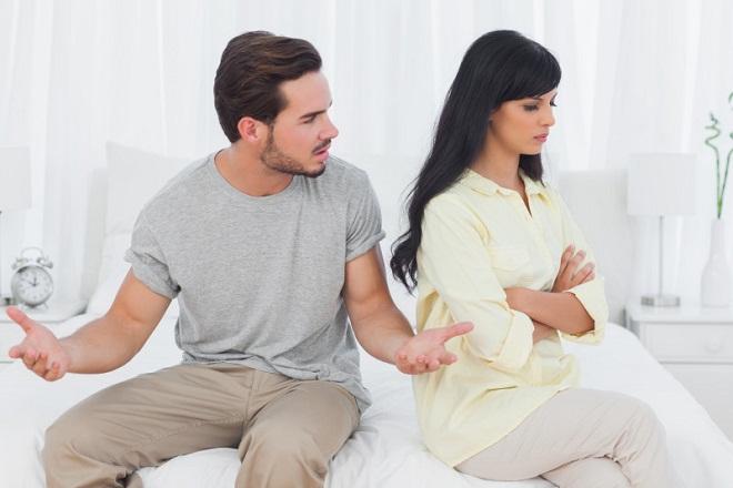 vợ chồng đang cãi nhau