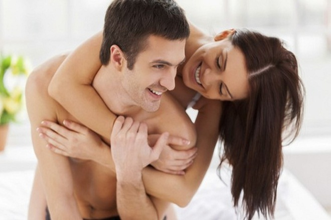 vợ chồng hạnh phúc sau sinh