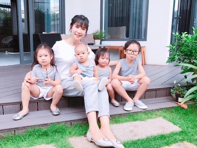 Minh Hà và 4 con
