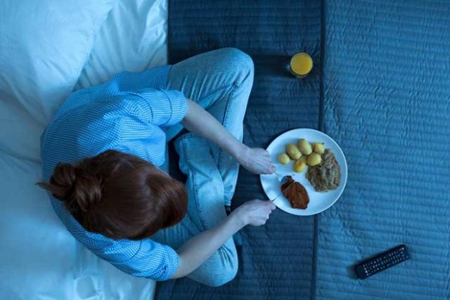 ăn khuya trước khi ngủ