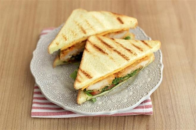 Bánh sandwich gà
