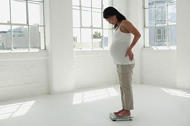 bà bầu theo dõi cân nặng tuần 20