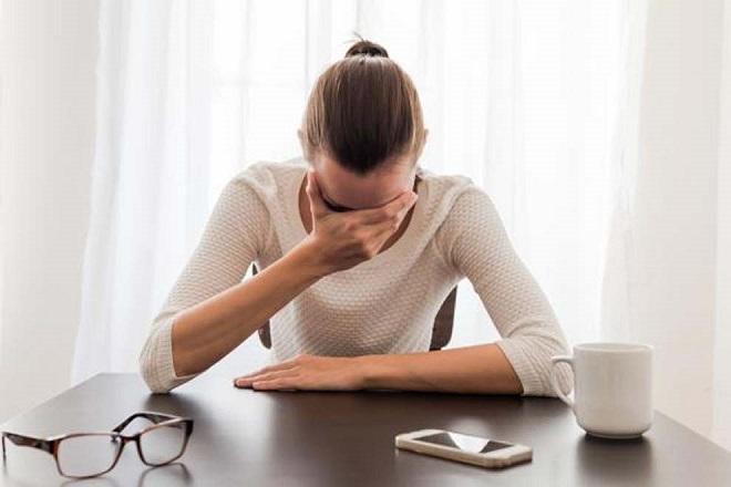 Gây một số tác dụng phụ như đau đầu