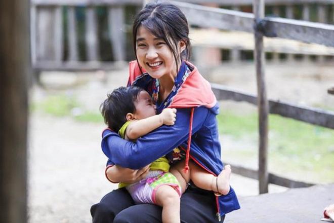 cô gái trẻ quyết định làm mẹ đơn thân