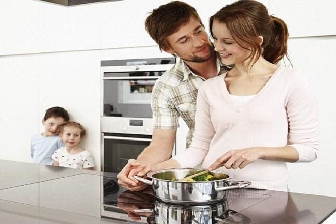 Cần tâm sự và động viên tinh thần của vợ