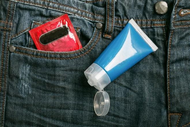 Hãy dùng chất bôi trơn cho ngày quan hệ sau sinh mổ