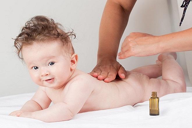 Đừng bỏ qua những cách dưỡng da giúp da bé luôn mịn màng