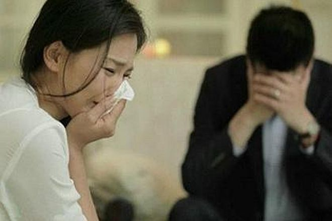 mẹ đơn thân khóc vì chồng ruồng bỏ