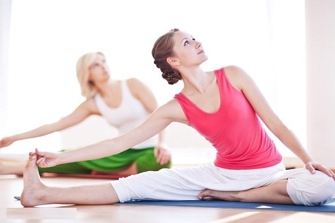 Chăm tập yoga