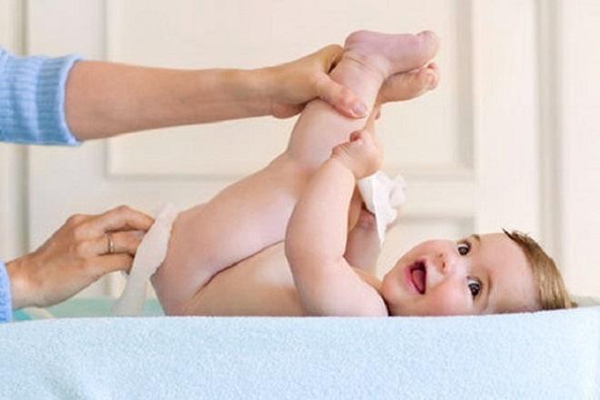 Mẹ nên đến khám bác sĩ khi cấp độ hăm của trẻ nặng dần