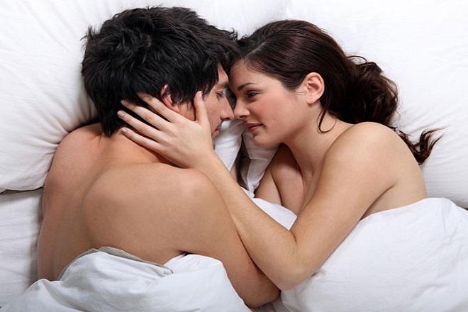 vợ chồng không nên quan hệ sau khi sinh quá sớm