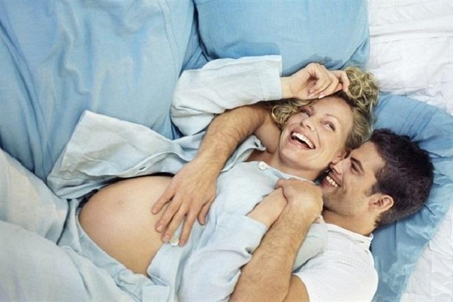 vợ chồng thoải mái khi quan hệ