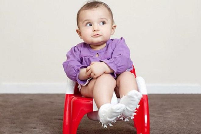 bé sơ sinh 7 tháng tuổi bị táo bón