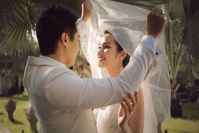 vợ chồng hạnh phúc bên nhau