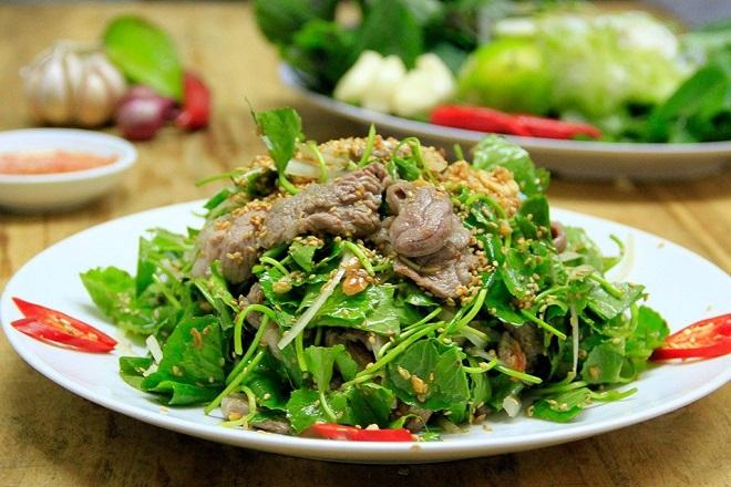 Món gỏi rau má thịt bò