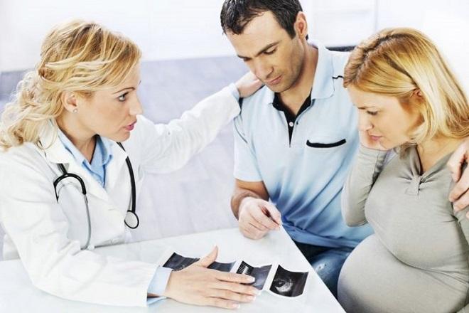 khám bác sĩ khi vỡ ối