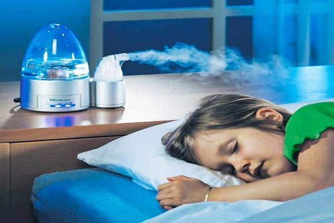 máy tạo độ ẩm trong phòng bé