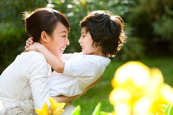 mẹ đơn thân sống hạnh phúc bên cạnh con